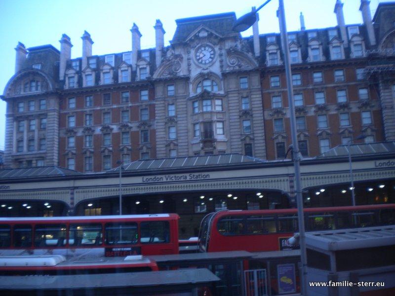 London Flug Und Hotel Familie
