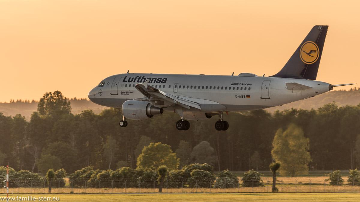 Lufthansa Airbus A319 im Endanflug