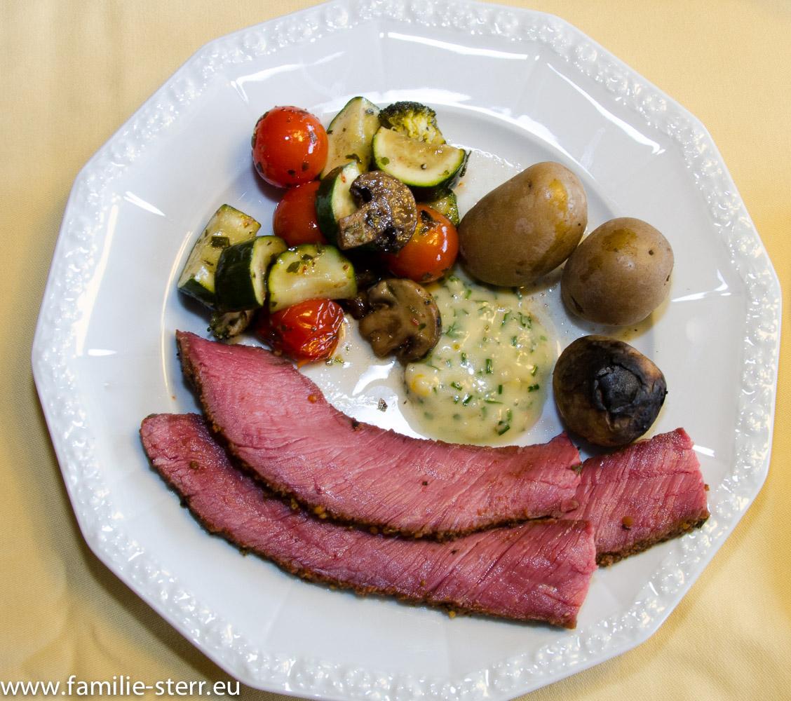 Roastbeef mit Kartoffeln und Smokergemüse