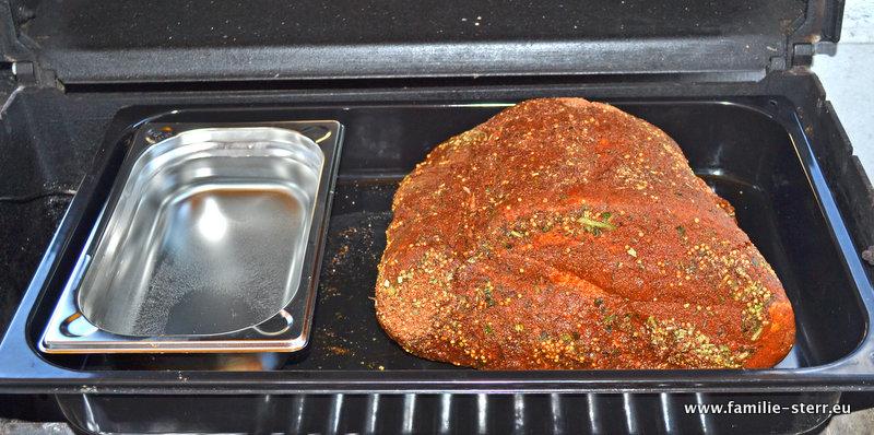 Pulled Beef Vorbereitungen in Grillkonfiguration