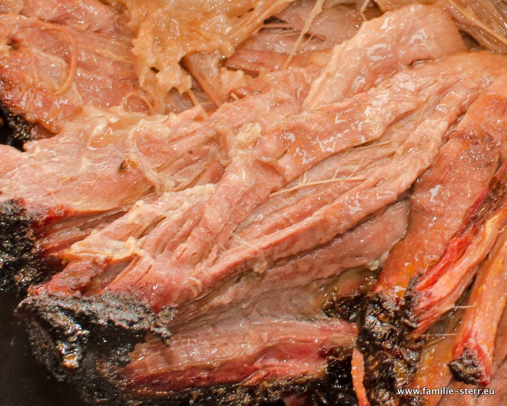 Pulled Beef aus dem WSM / Detailaufnahme