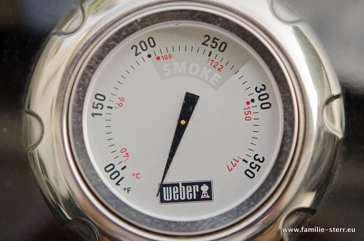 Thermometer am Weber Smokey Mountain Cooker