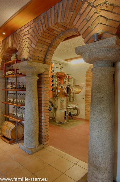 Radlerbauernhof Moser / Präsentationsraumund Destillerie