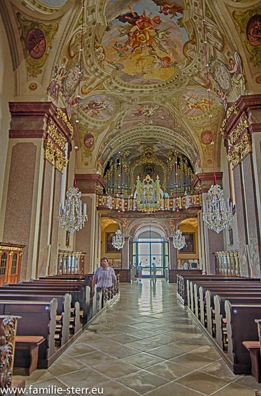 Schiff und Orgel Wallfahrtskirche Maria Taferl an der Donau