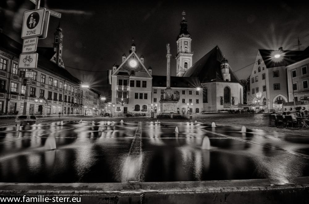 Marienplatz in Freising - Nachtaufnahme