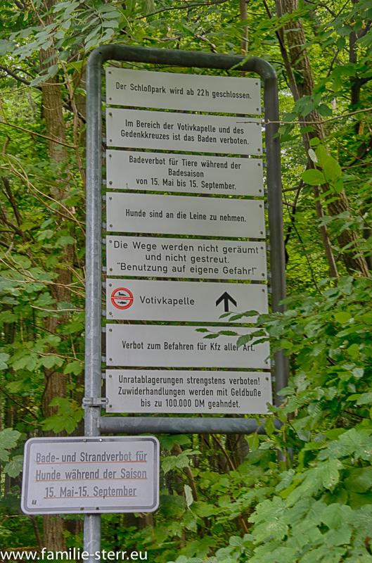 Schild bei Schloss Berg