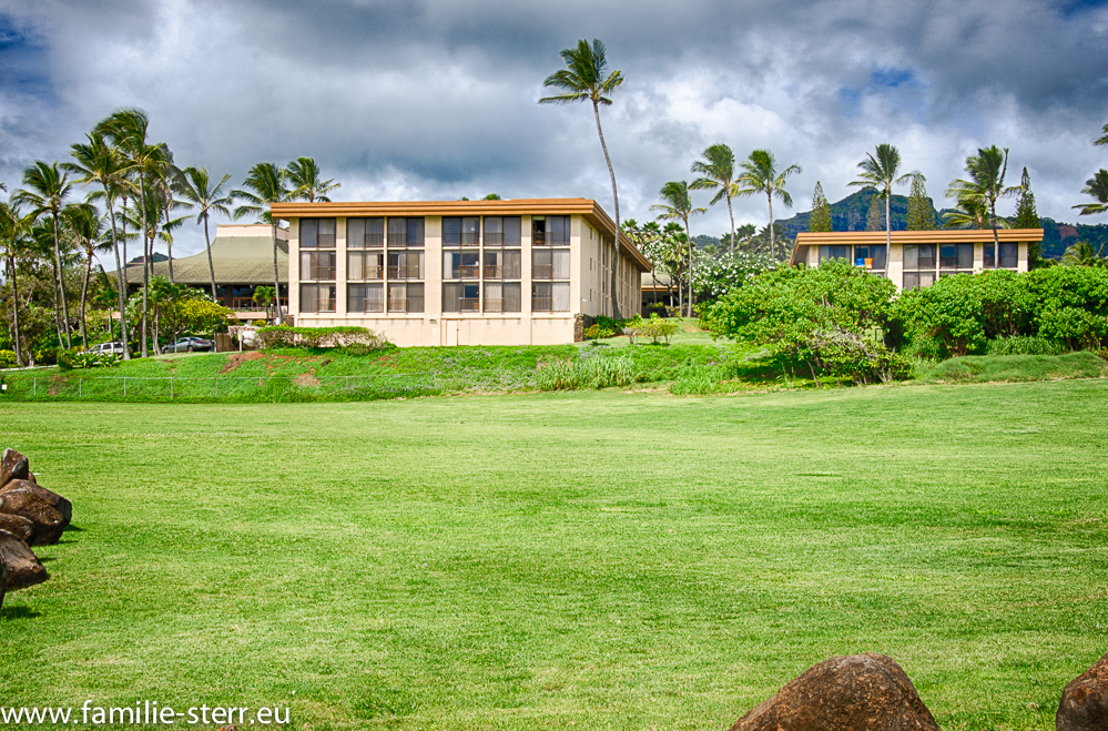 Aloha Beach Resort / Kauai