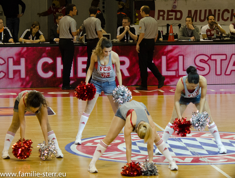 Cheerleader im Audi Dome München
