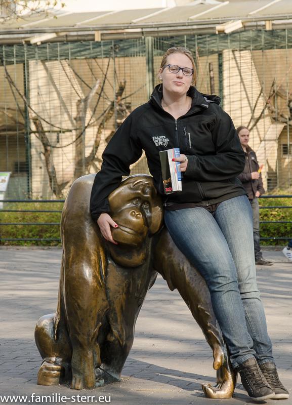 Katharina im Zoo Berlin