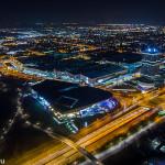 BMW - Gelände und München Nord-Ost bei Nacht vom Olympiaturm aus