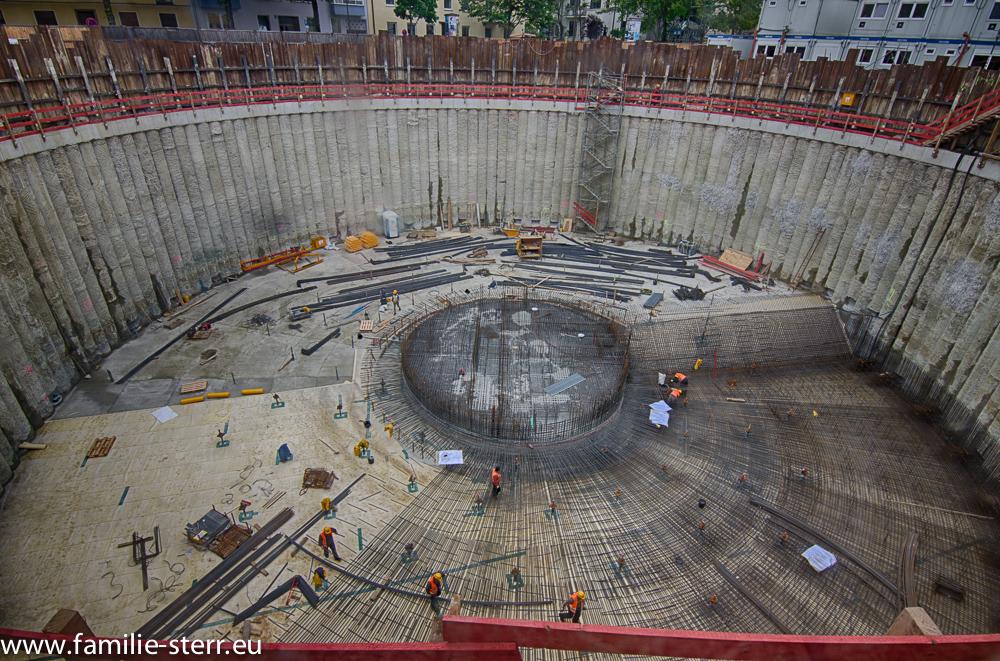 Baustelle der neuen Tiefgarage am Josephsplatz