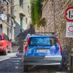 Hinweisschild in Sizilien