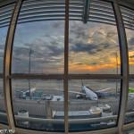 Flughafen München - Sonnenuntergang über dem Vorfeld West am Terminal 1