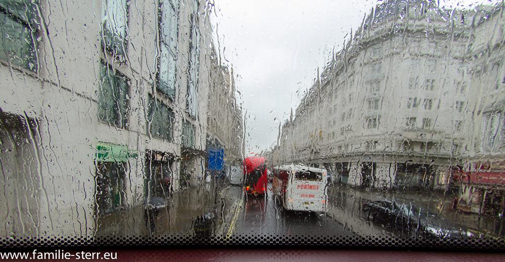 London bei Regen und Nebel