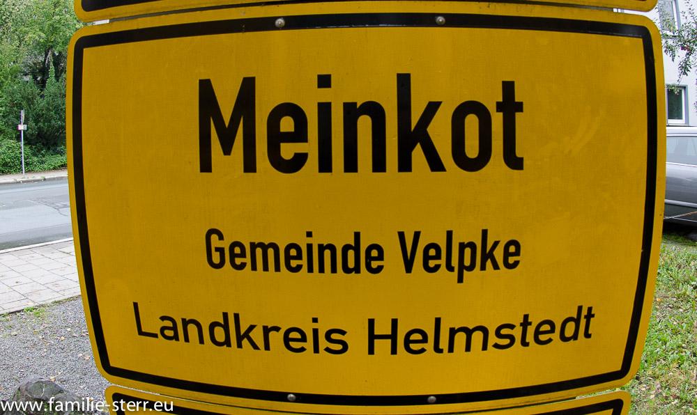 Ortsschild Mainkot im Fernwehpark in Hof