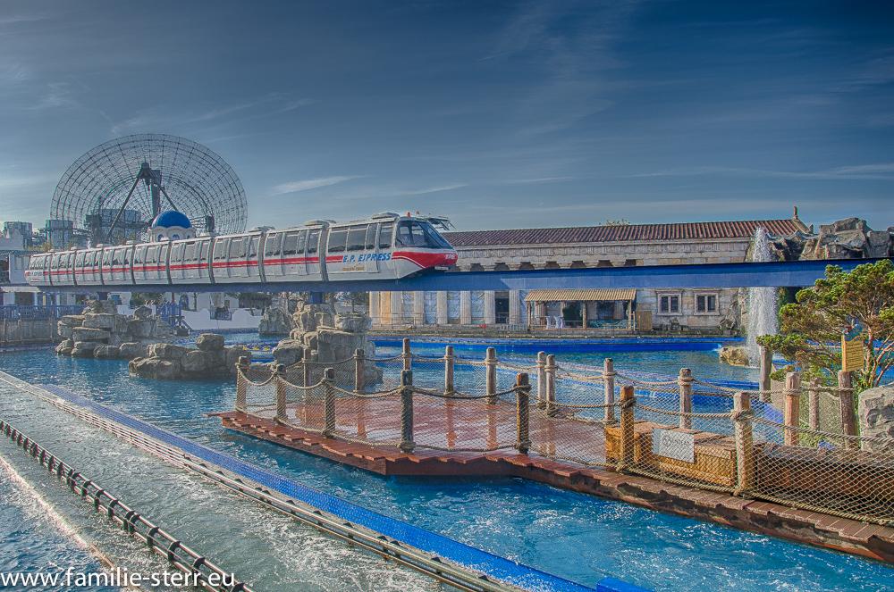 Poseidon - Bahn und Monorail im Europapark