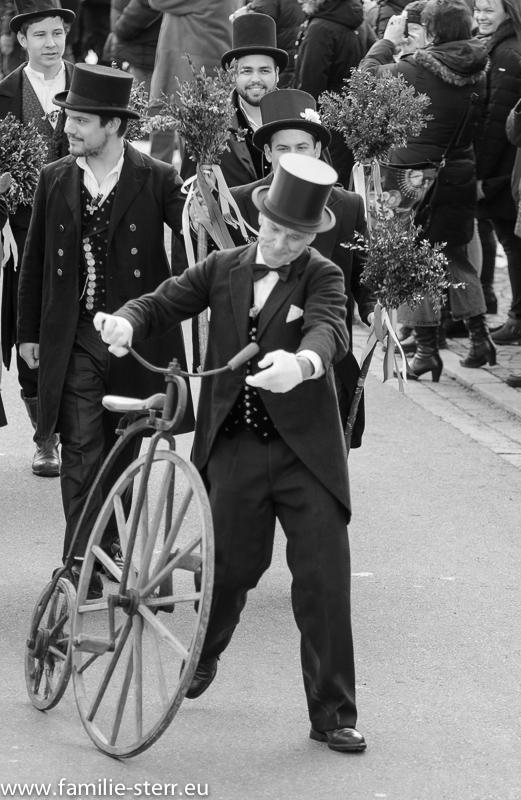 Hochrad beim Hochzeitsumzug / Bauernhochzeit Altenerding