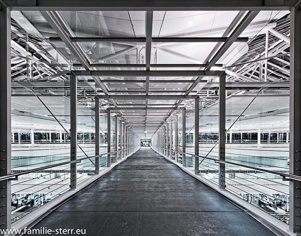Skywalk im Terminal 2 am Flughafen München