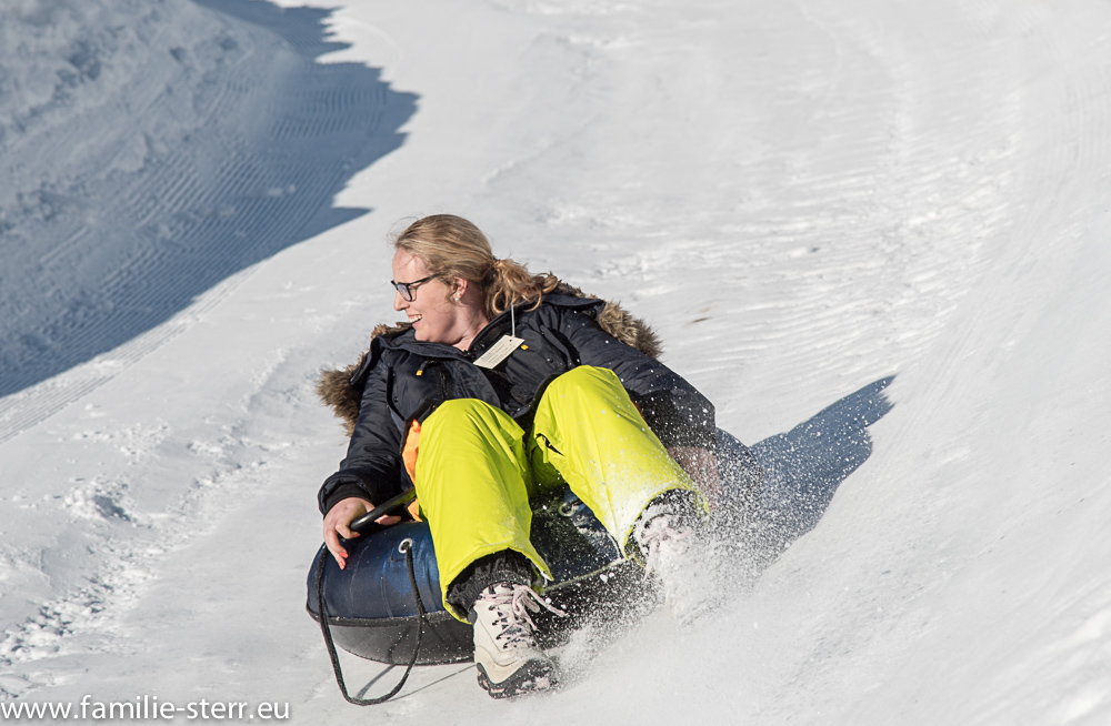 Katharina beim Snowtubing in Bayrischzell