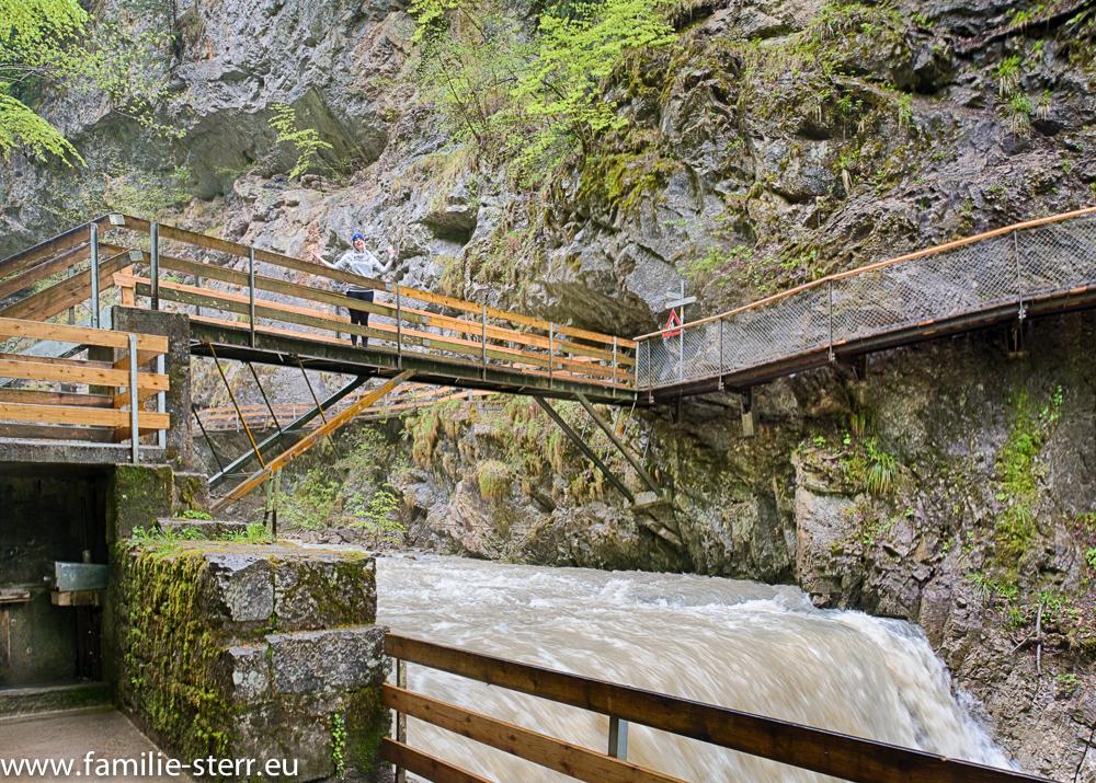 Steg und Brücke in der Rappenlochschlucht bei Gütle / Dornbirn