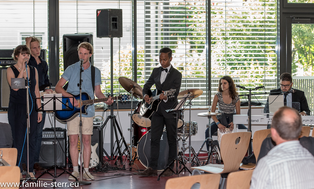 Schülerband der FOS/BOS Erding bei der Abiturfeier 2015