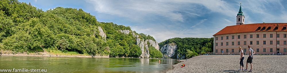 Panoramablick über Donau, Donaudurchbruch und Kloster Weltenburg