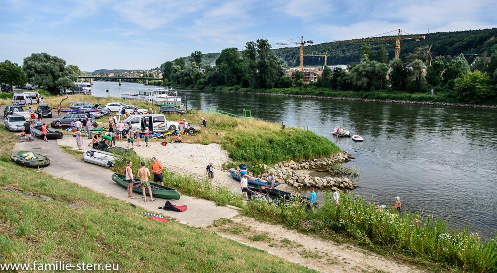 Feierabendbetrieb am Donau - Landungsplatz bei Kelheim