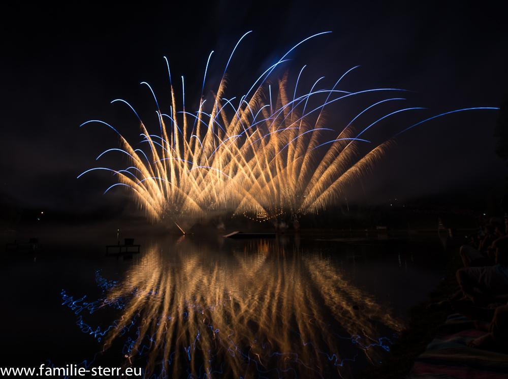 Feuerwerk beim imPark Sommerfest 2015 im Olympiapark München