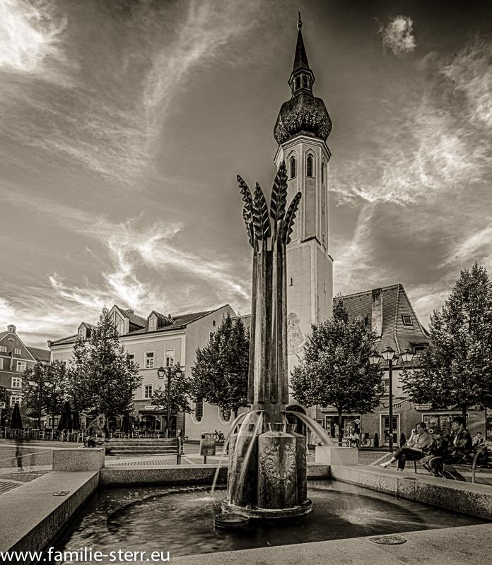 Brunnen am Schrannenplatz vor dem Frauenkircherl