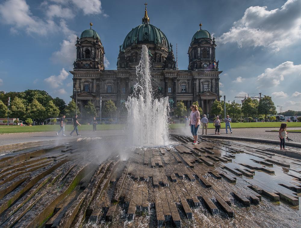 Katharina am Brunnen vor dem Berliner Dom