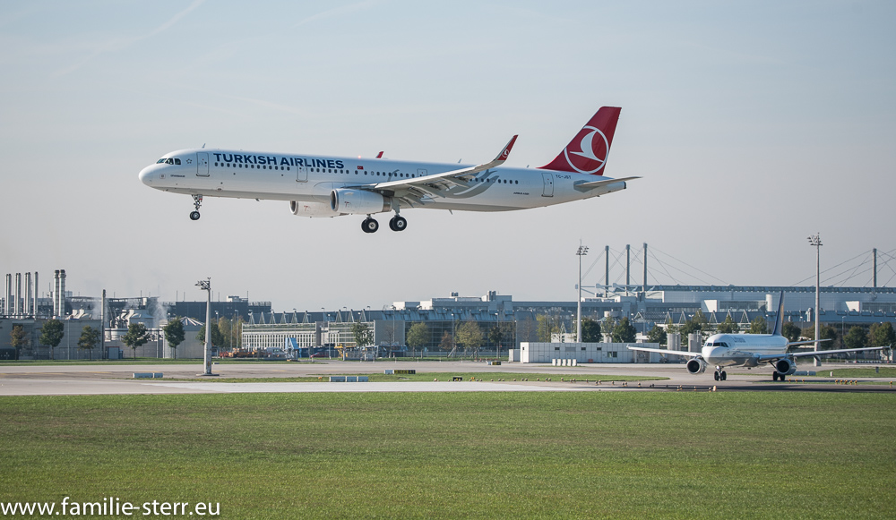 Turkish Airlines Airbus A 321.200 TC-JST