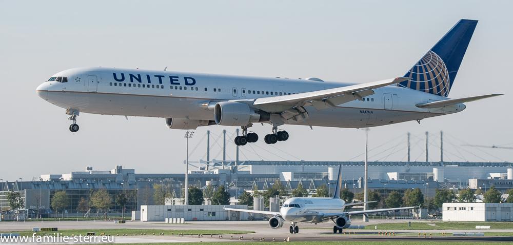 United Boeing B767-300 N647UA