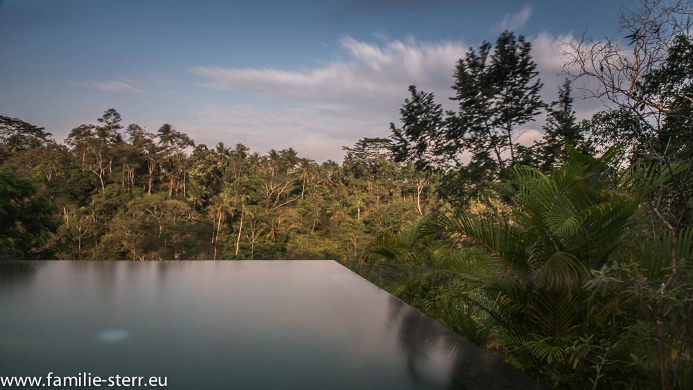 Pool bei unserem Zimmer auf Bali
