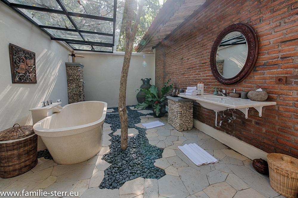Bad zur Villa 3 - Plataran Menjangan