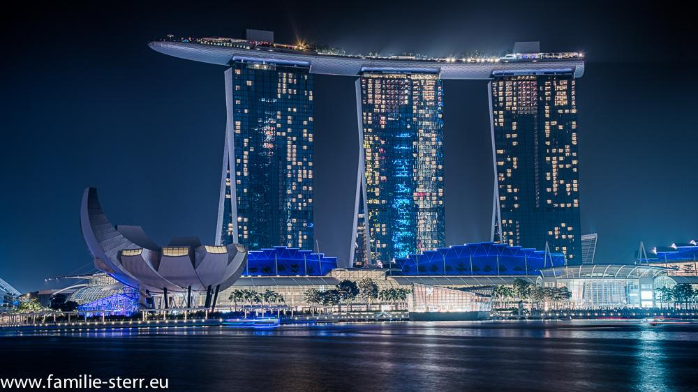 Marina Bay Sands Hotel - Singapur zur blauen Stunde