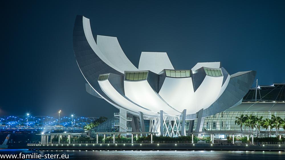 Das ArtScience Museum in der Marina Bay