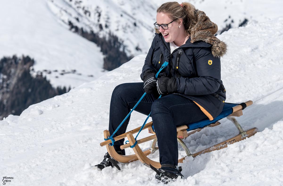 Katharina beim Schlitteln am Rinerhorn