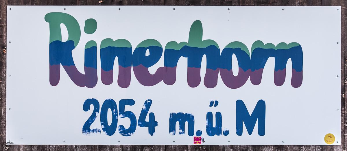 Schild an der Bergstation Rinerhorn