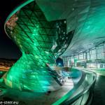 Die BMW Welt grün beleuchtet zum St. Patrick's Day