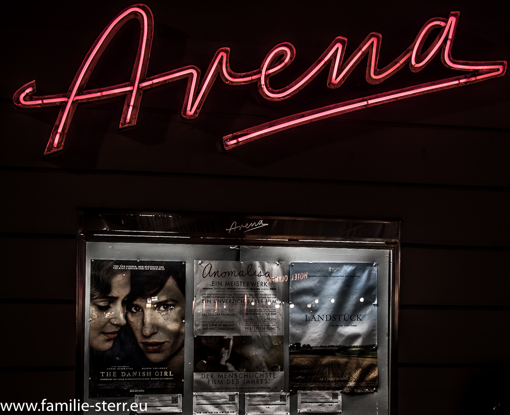 Arena - Neonreklame am Kino im Glockenbachviertel / München