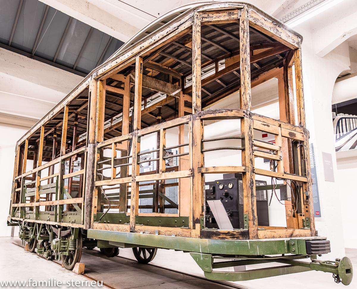 Holz - Trambahn - Wagon im MVG Museum