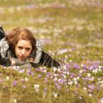 Melanie in der Krokuswiese auf der Daffnerwaldalm