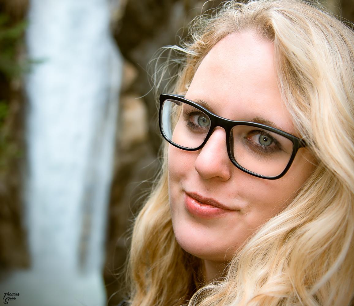 Porträt von Katharina am Tatzelwurm bei Bayrischzell