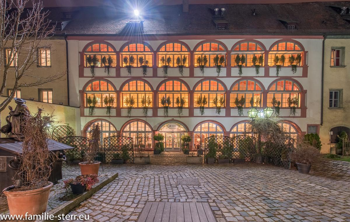Hotel Bischofshof / Regensburg bei Nacht