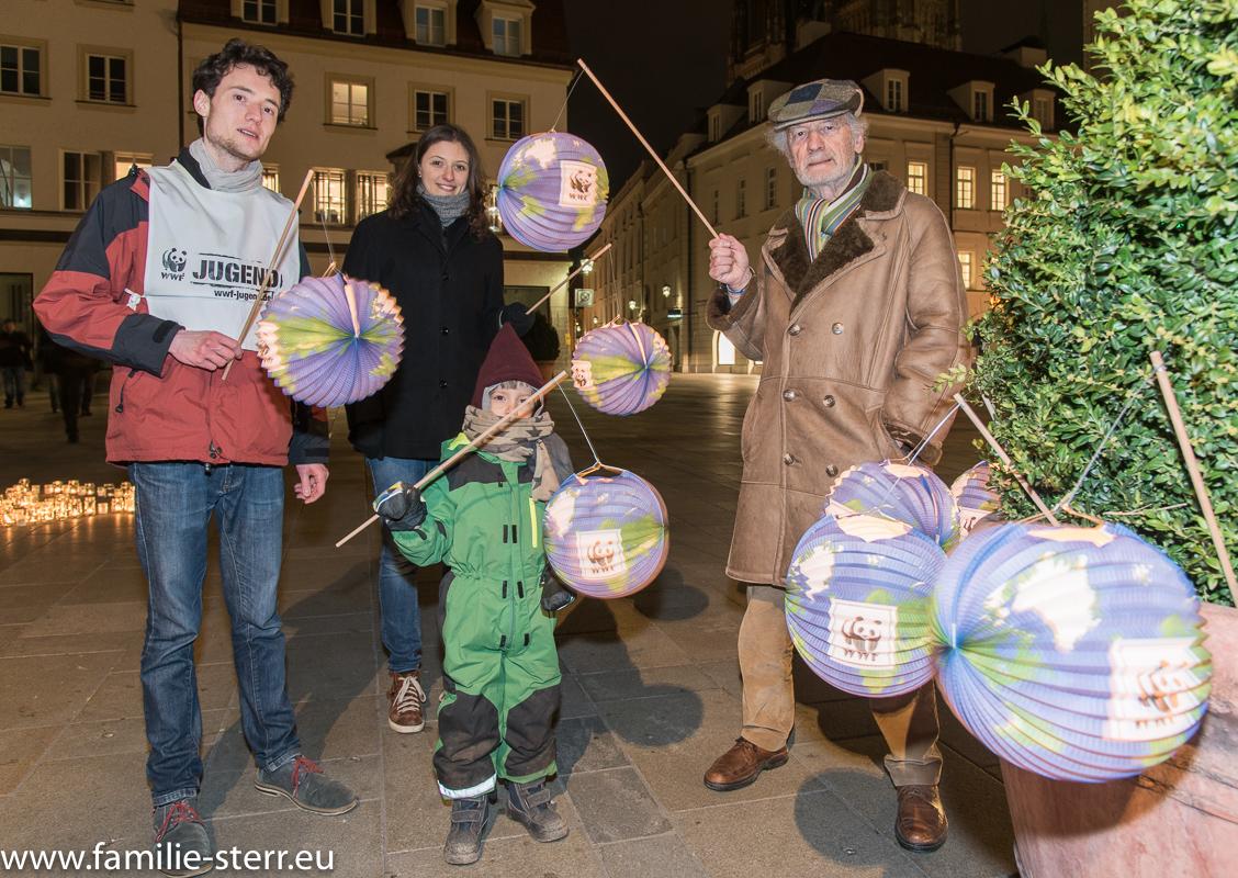 WWF Demo zur Earth Hour in Regensburg