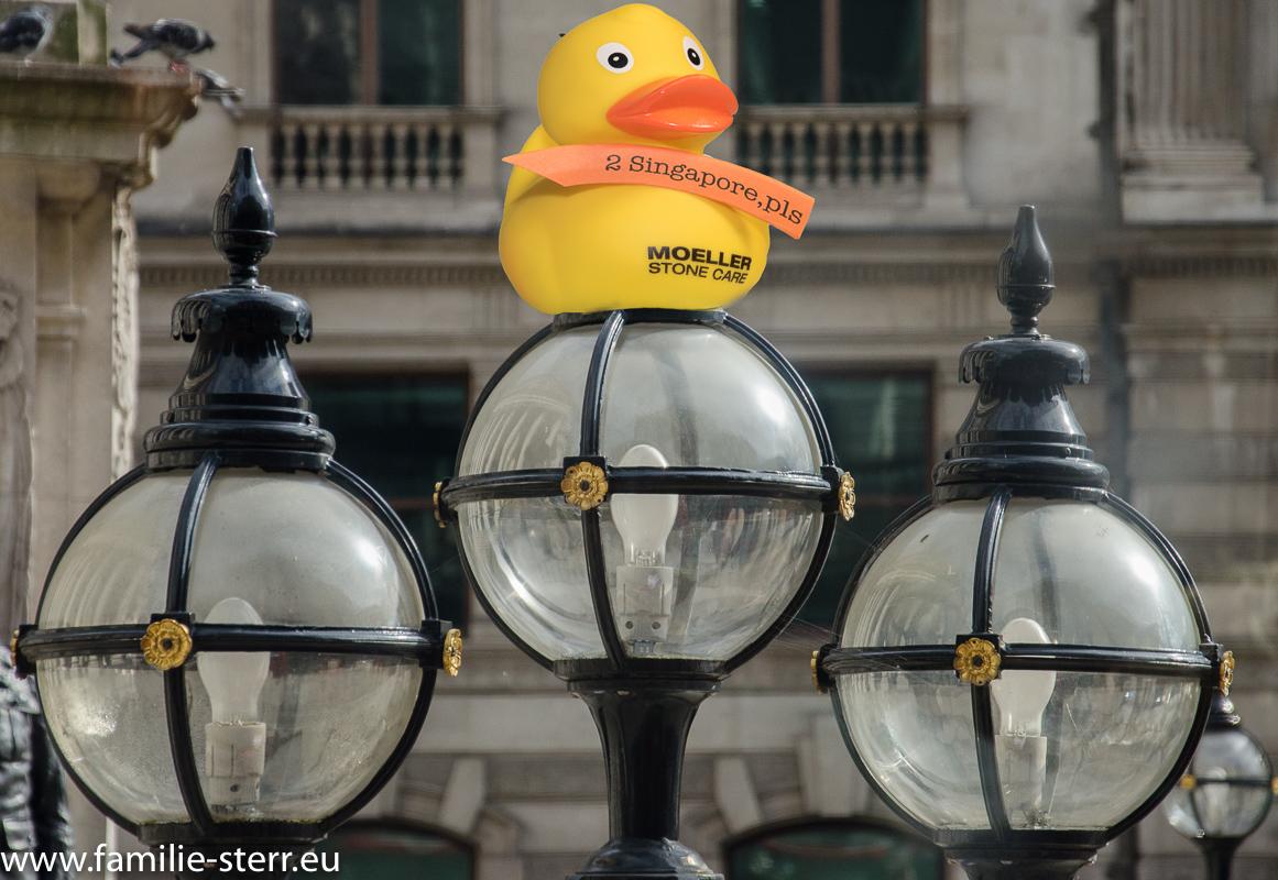 Gummiente Renate in der City of London