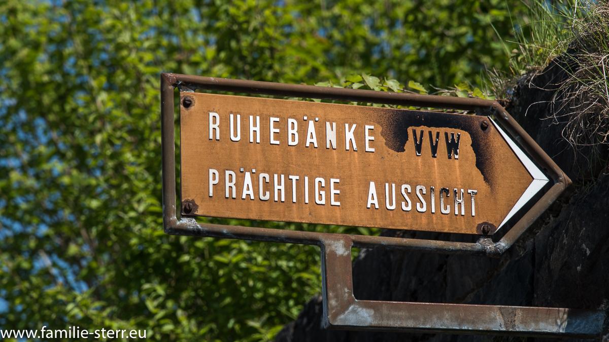 Wegweiser in Walzenhausen am Appenzeller Witzwanderweg