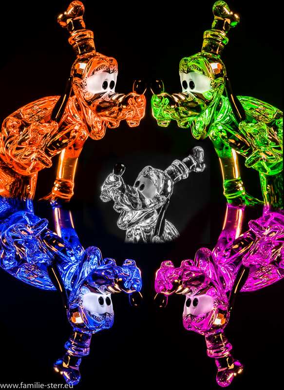 verschiedenfarbig beleuchtete Goofy - Figuren