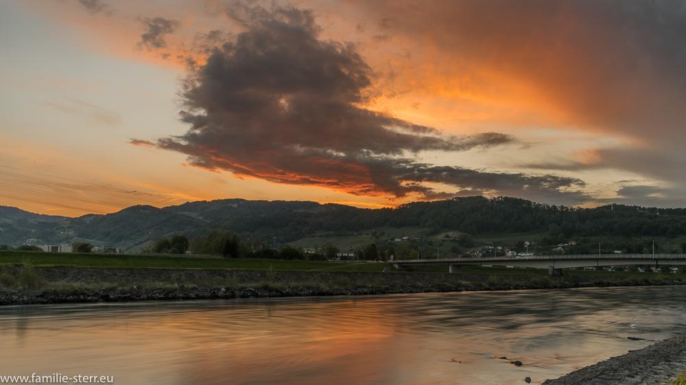 Sonnenuntergang am Neuen Rhein bei Lustenau