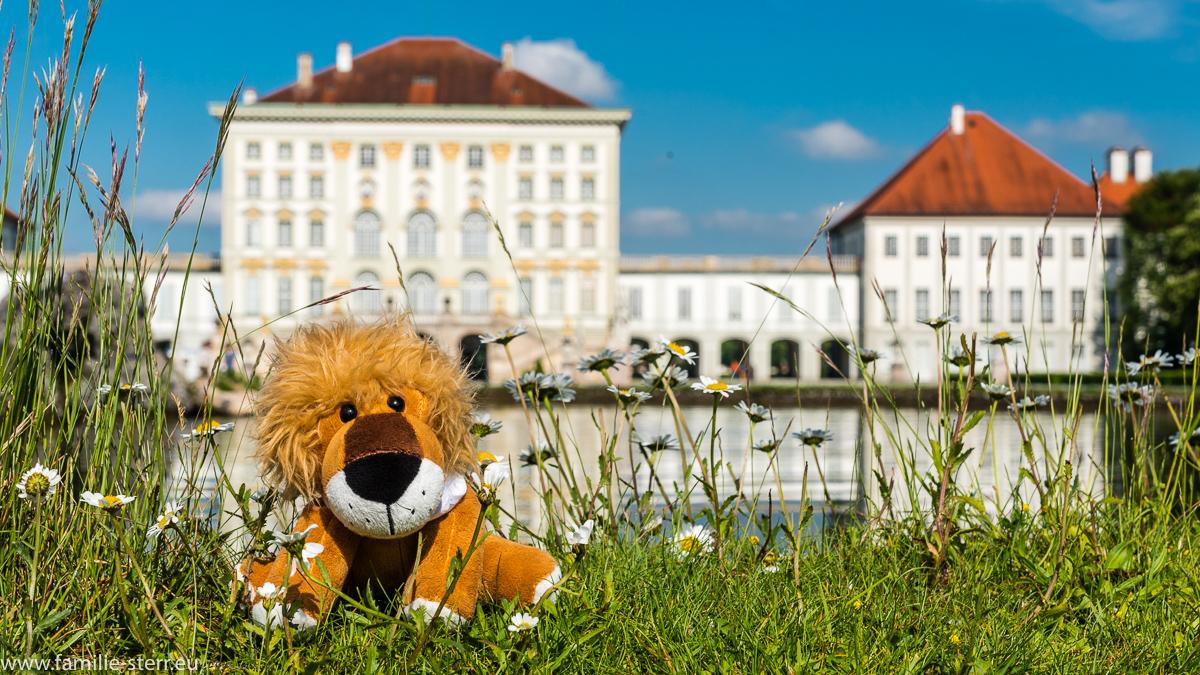 Leopold im Schlosspark vor dem Schloss Nymphenburg